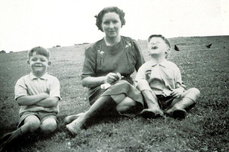 Знаменитости в кругу семьи. Редкие фото из домашних архивов ч.3.