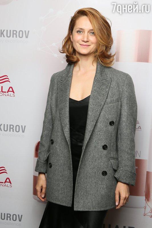 Виктория Исакова, Глафира Тарханова, Дарья Мороз и другие звезды попали на подиум