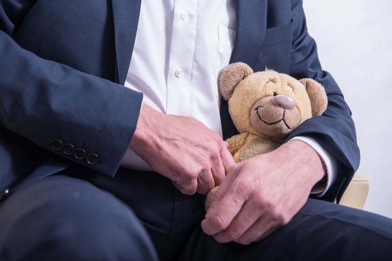 """В Госдуме предлагают создать """"кабинеты доверия"""" для педофилов"""