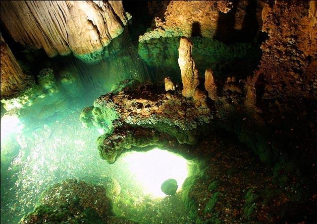 grey Мир пещер