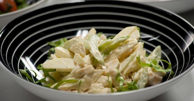 салат из свежей капусты с яблоками рецепт