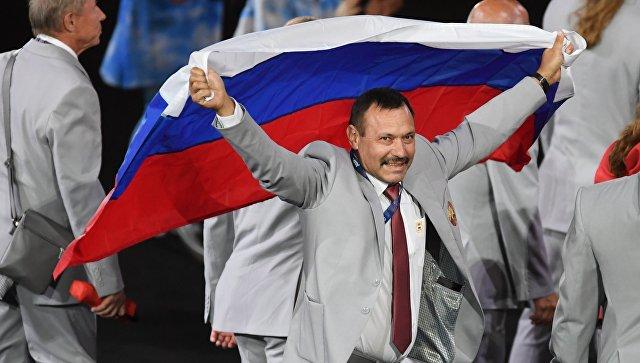 В Белоруссии объяснили, почему их паралимпийцы вышли с российским флагом