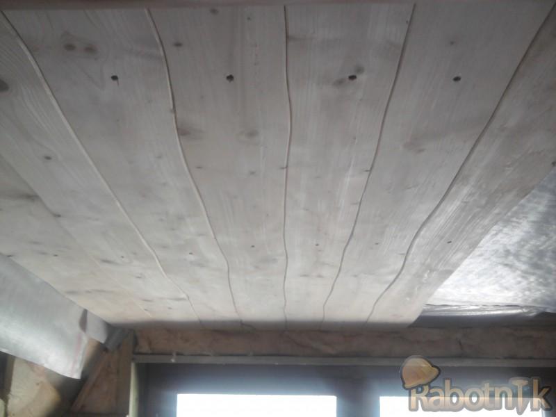 Потолок из досок видео 131