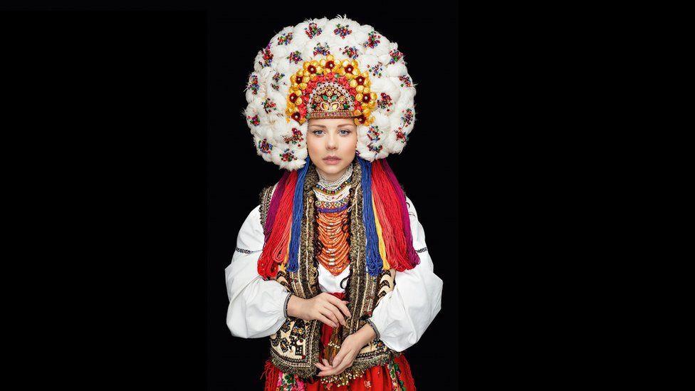 Календар українських костюмів