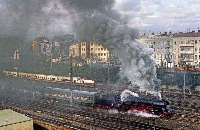 Поезд Берлин–Саратов отправился со станции Берлин–Лихтенберг в Берлине, 2 апреля 1994 года, ФРГ было, история, фото