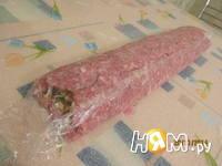 Приготовление мясного рулета с яйцом и грибами: шаг 10