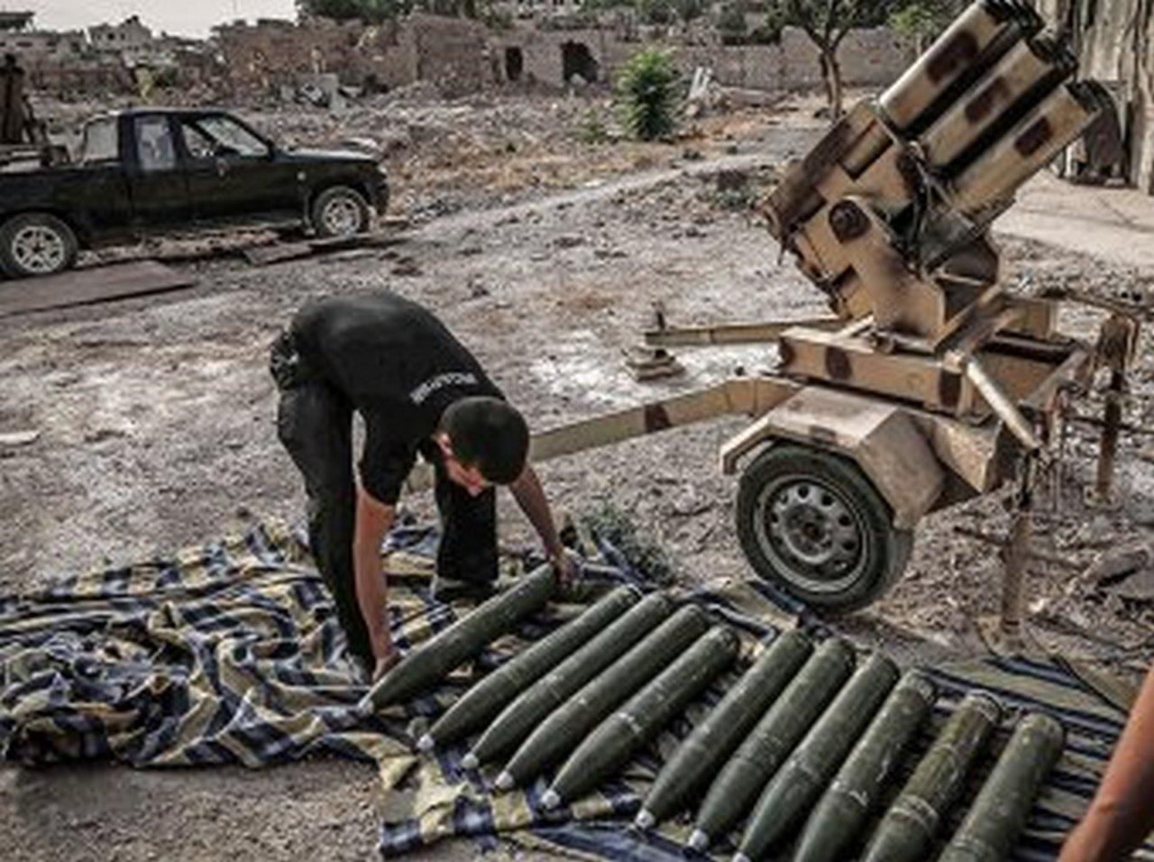 США поставляют болгарское оружие террористам через Саудовскую Аравию