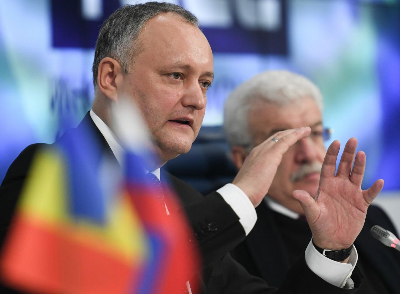 Россия трудоустроит всех: Президент Молдавии предложил ввести обучение русскому языку в школах