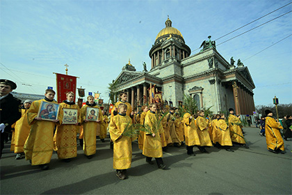 В РПЦ пригрозили вывести на улицы миллион сторонников передачи Исаакия