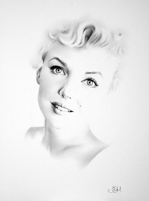 Marilyn Monroe Minimalism Pencil  Portrait Signed Print (522x700, 137Kb)