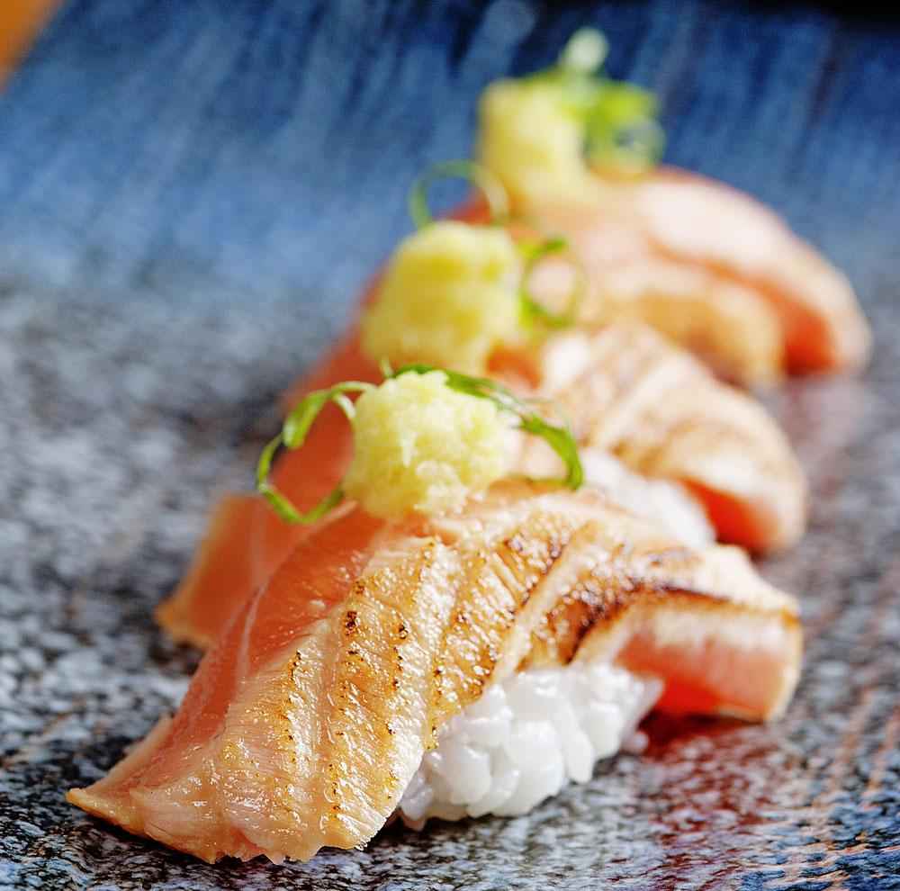 Мастеров суши приравнивают к национальному достоянию Японии