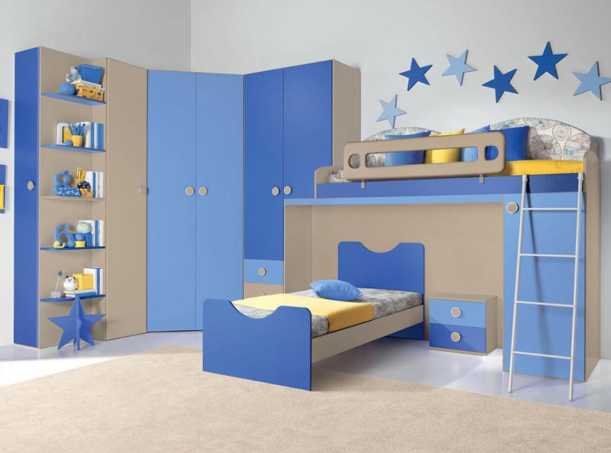 Детская комната в голубых тонах