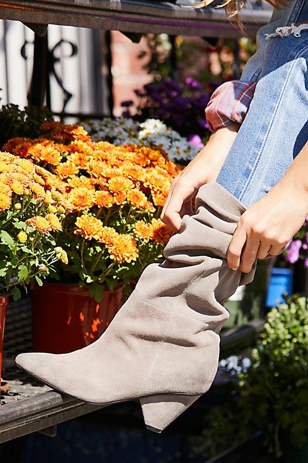 Модная обувь: Сапоги-слаучи