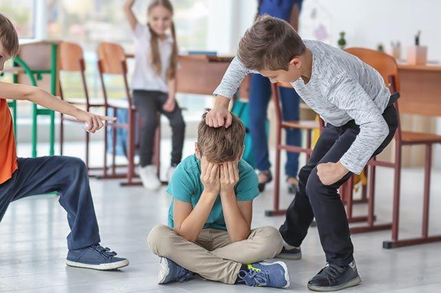 Нельзя безучастно ждать, что дети сами разберутся. Взрослые должны остановить насилие.