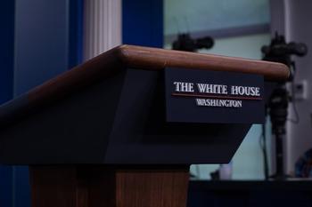 В Белом доме допустили возможность изменения закона об антироссийских санкциях