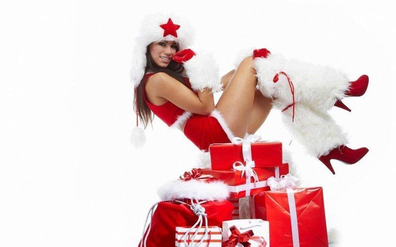 Чтобы было много приятных сюрпризов девушки, красотки, наступающий новый год, пожелания, снегурочки, юмор