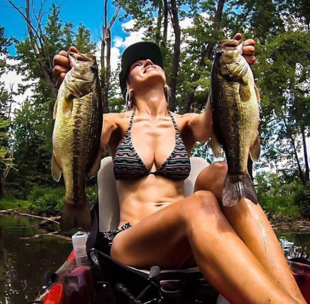 Отдых на рыбалке с девушками