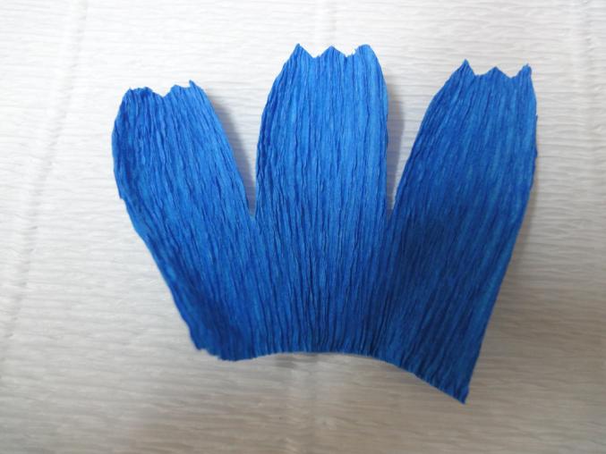 Василёк из гофрированной бумаги своими руками