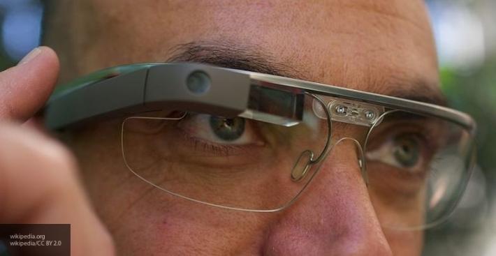 Apple представит очки дополненной реальности летом 2017 года