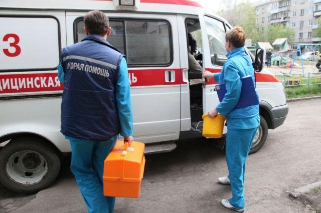 В Новосибирске водитель не пропустил скорую с тяжелобольным пациентом