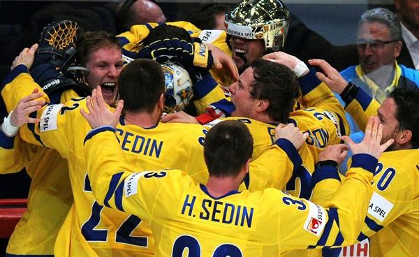 Шведские хоккеисты стали чемпионами мира и сняли древнее проклятие