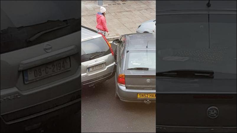 Попытка припарковаться под н…