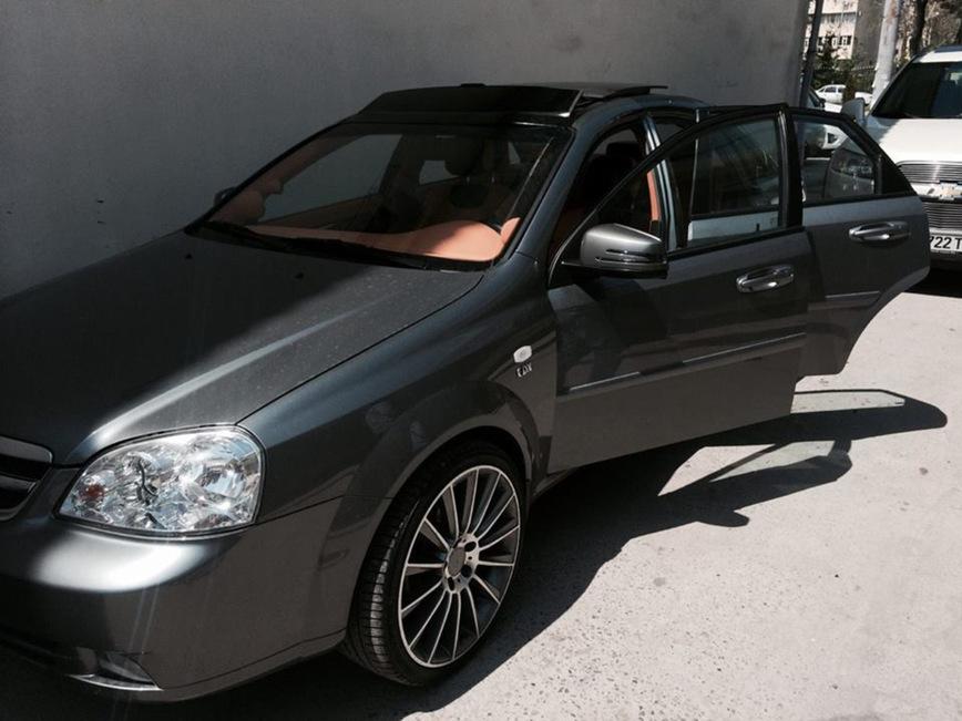 Умельцы из Узбекистана превратили Chevrolet Lacetti в BMW