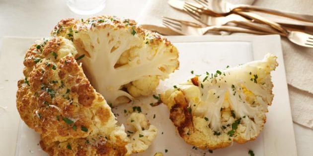 Как приготовить цветную капусту целиком в духовке с чесноком и сыром