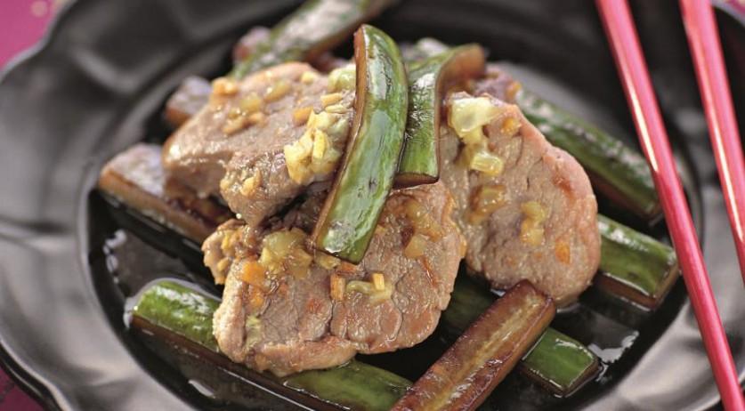 Как пожарить мясо с огурцами