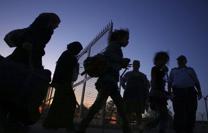 ИГИЛ обучает своих бандитов притворяться беженцами, чтобы попасть в Европу