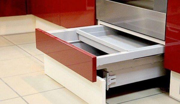 Необычная функция выдвижного ящика под духовкой