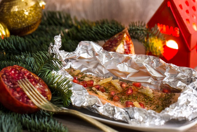 christmas gourmet recipe:steamed salmon trout with ginger and pomegranate grains