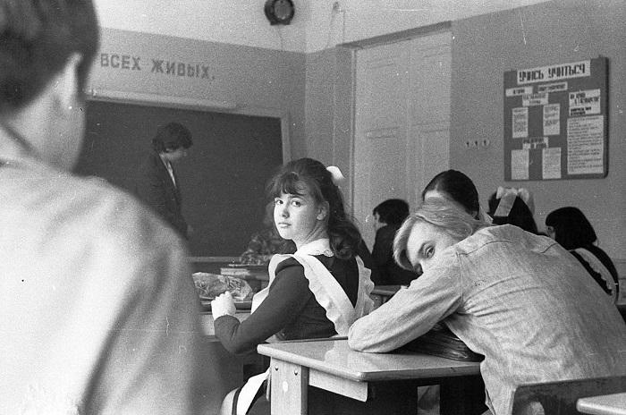 Главное не выделяться, или Какие школьные запреты существовали в СССР