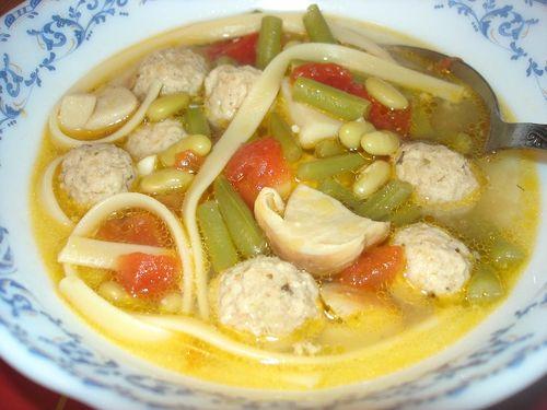 Овощной суп с фрикадельками из индюшатины