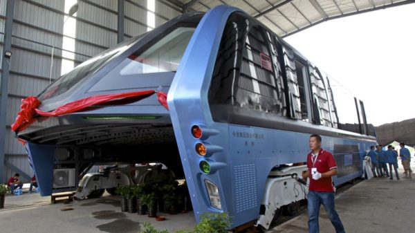 Проект двухэтажного рельсового автобуса из Китая оказался крупной финансовой аферой