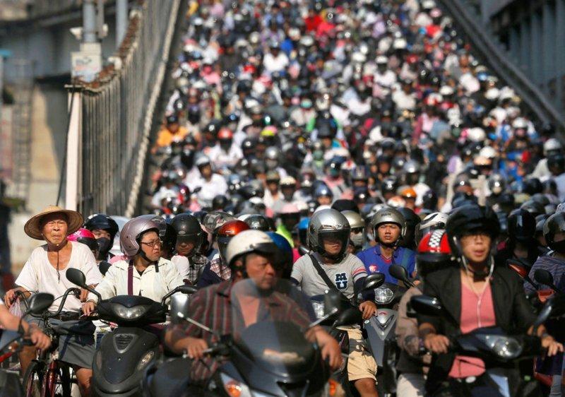 В Тайване 16,09 млн мотоциклов или 67,6 на 100 каждые жителей в мире, дорога, езда, люди, пробка
