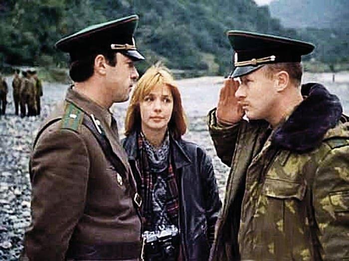 Кадр из фильма *Выйти замуж за капитана*, 1985 | Фото: kp.ru