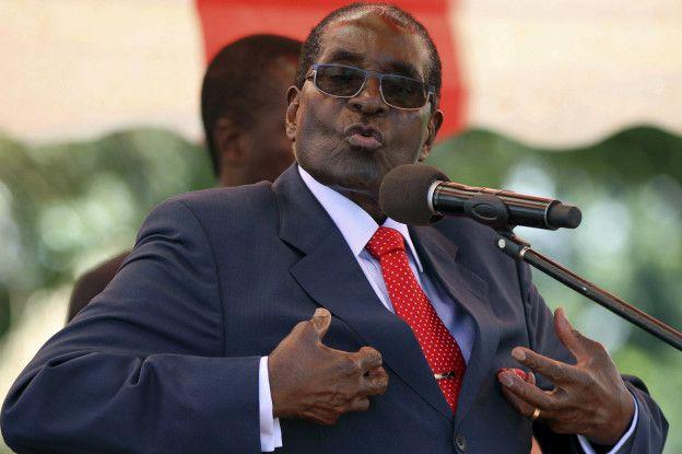 Бессмертные на троне: 92-летний Роберт Мугабе собрался вновь участвовать в выборах президента Зимбабве