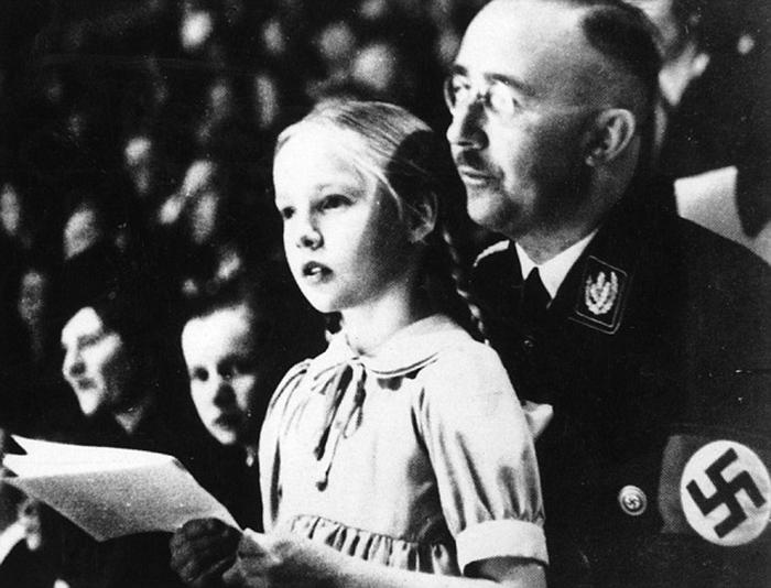 Бабушка неонацизма: дочь продолжает дело Генриха Гиммлера