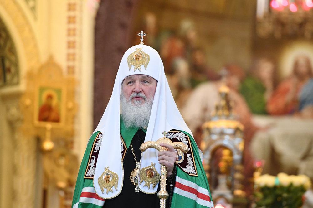 Патриарх Кирилл призвал интеллигенцию не вводить людей в грех