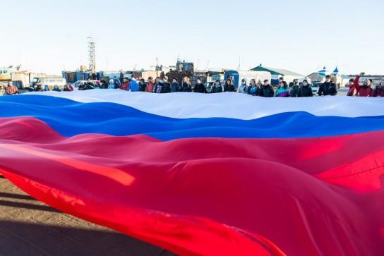 МФХЛ отвесила пощечину МОК, поддержав российских спортсменов запрещенным триколором