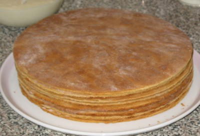 Рецепт медовика в домашних условиях с заварным кремами