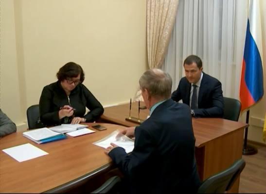 Владимир Волков провёл первую встречу с горожанами в общественной приёмной