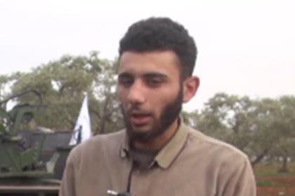 Фото террориста, утверждающего, что именно он сбил наш самолёт