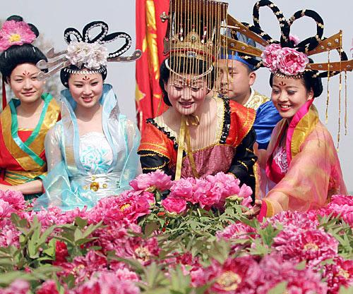 Фестиваль пионов в Лояне. Китай.