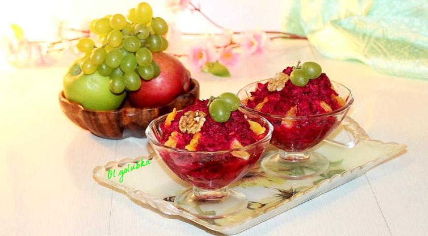 Витаминный салат с орешками 4