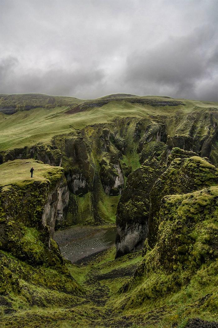 Каньон Fjaðrárgljúfur в Исландии