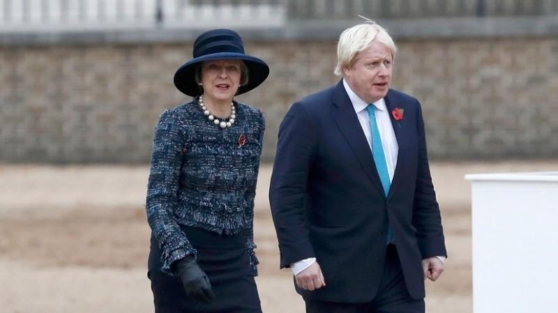 Британцы требуют отставки Те…
