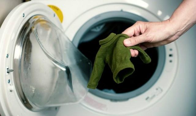 Как вернуть форму севшему после стирки свитеру? Запомните этот лайфхак и больше никогда не выкидывайте вещи, которые после стирки стали маленькими.
