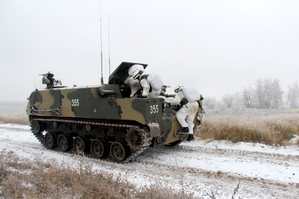 Тульские десантники испытали новый БТР